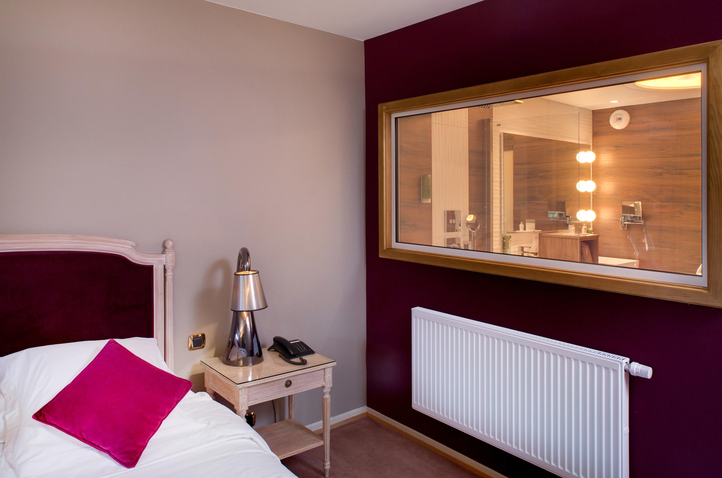 Charming rooms in the Hotel La Cheneaudi¨re & Spa